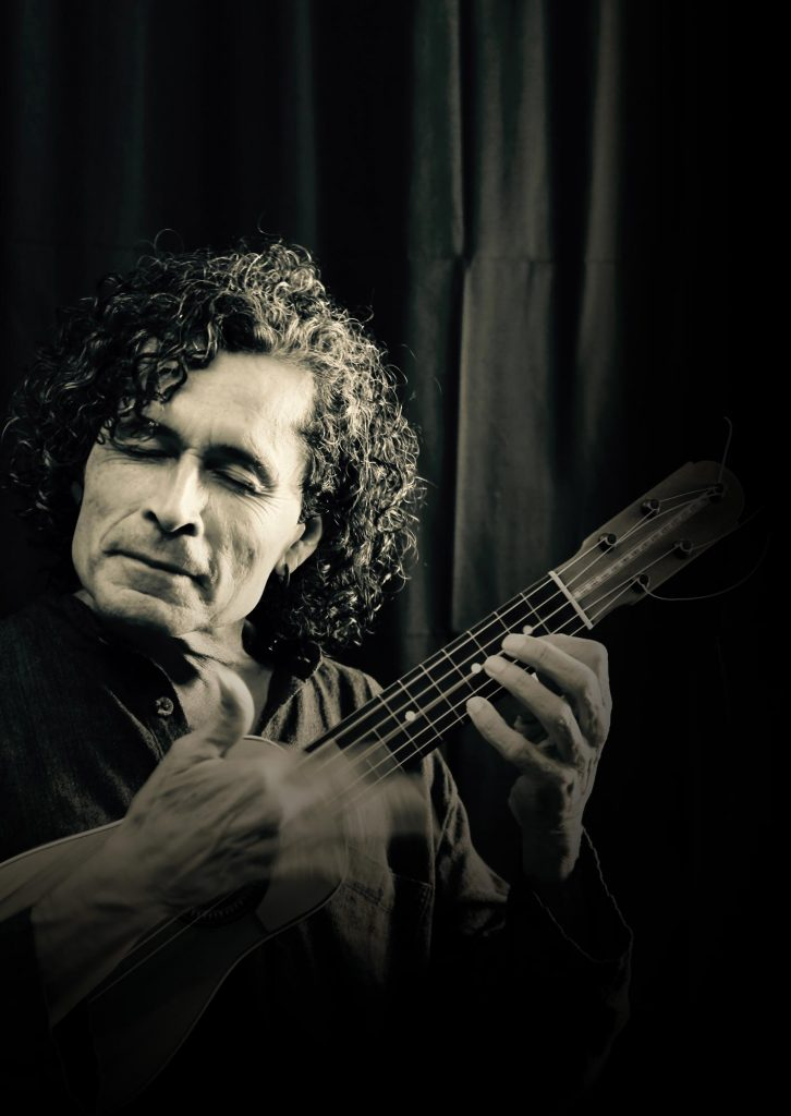 Juan-Mesa-Cantautor-musico-de-autor-cantante-compositor-la-gomera-islas-canarias-BG-02